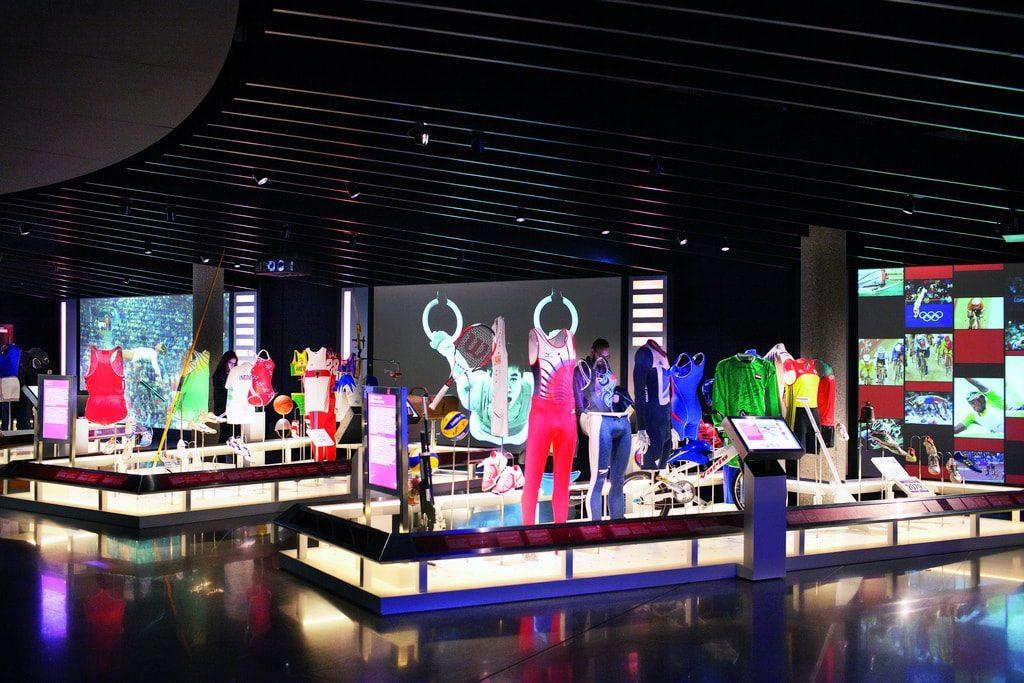 musée-olympique-lausanne-costumes-athlètes-min