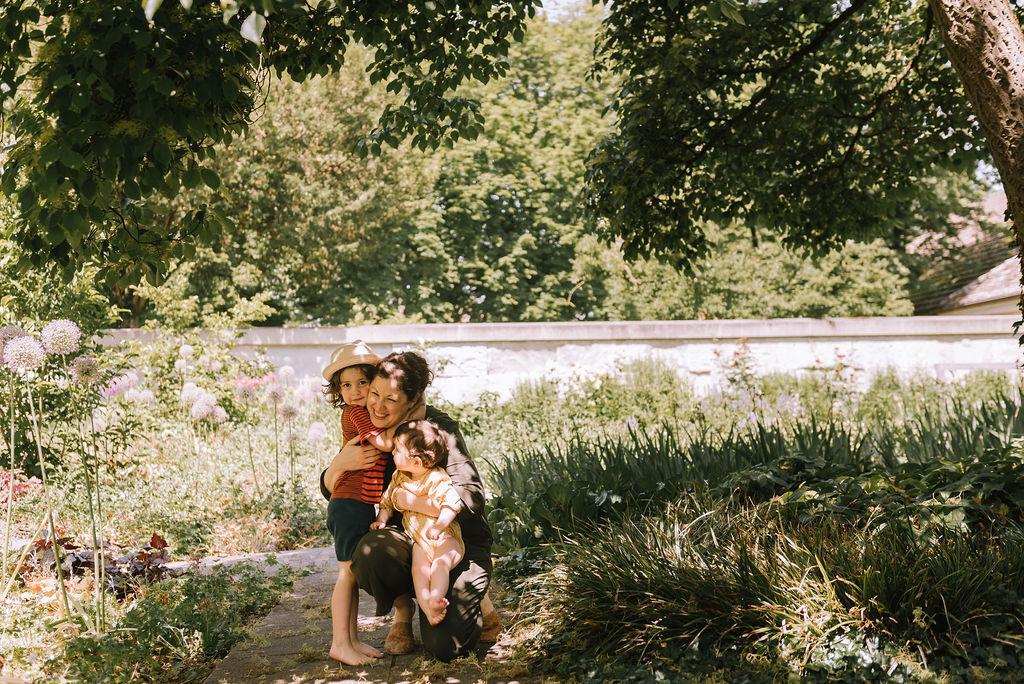 Mustik Aude et ses deux enfants