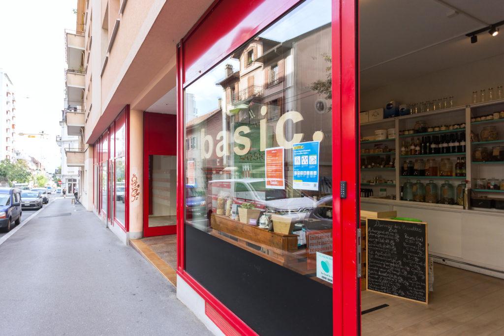 Basic., magasin en vrac végétarien / végétalien situé dans le quartier de la Pontaise à Lausanne.