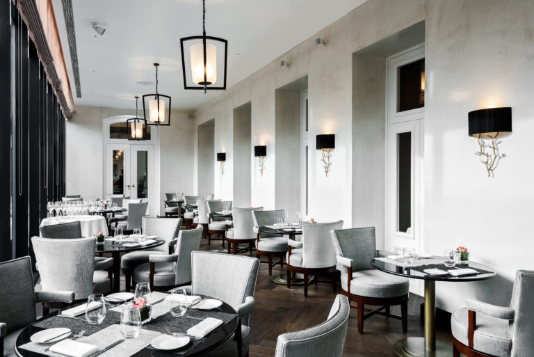 Brasserie_Royal_Savoy_Veranda©RetoGüntli