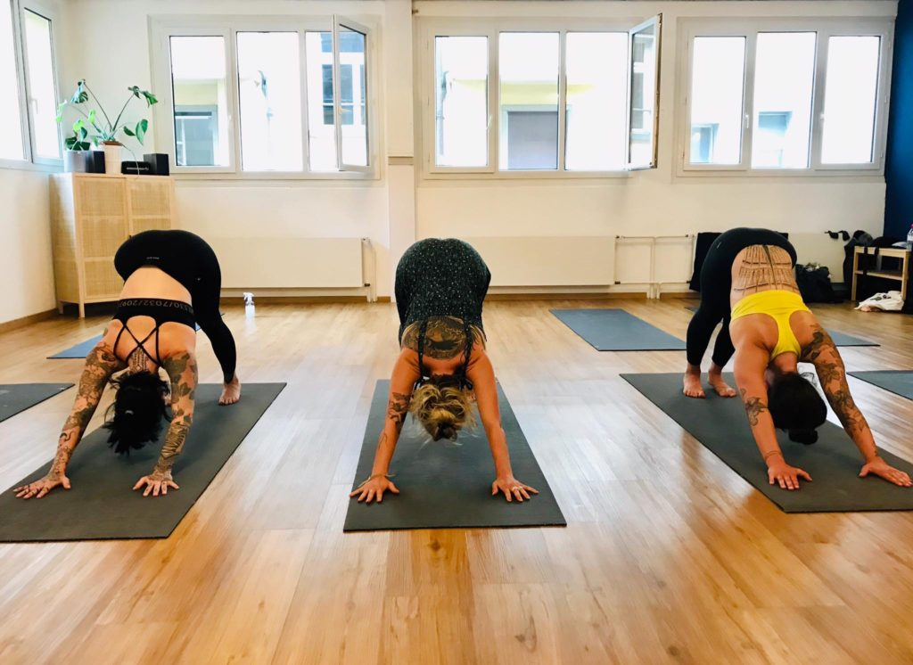 Pratique du yoga au studio Paname Academy à Lausanne