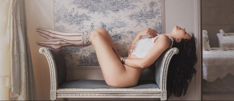 jolies-courbes-marie-elise-studio-photographe-boudoir-nu-artistique-femme-lingerie
